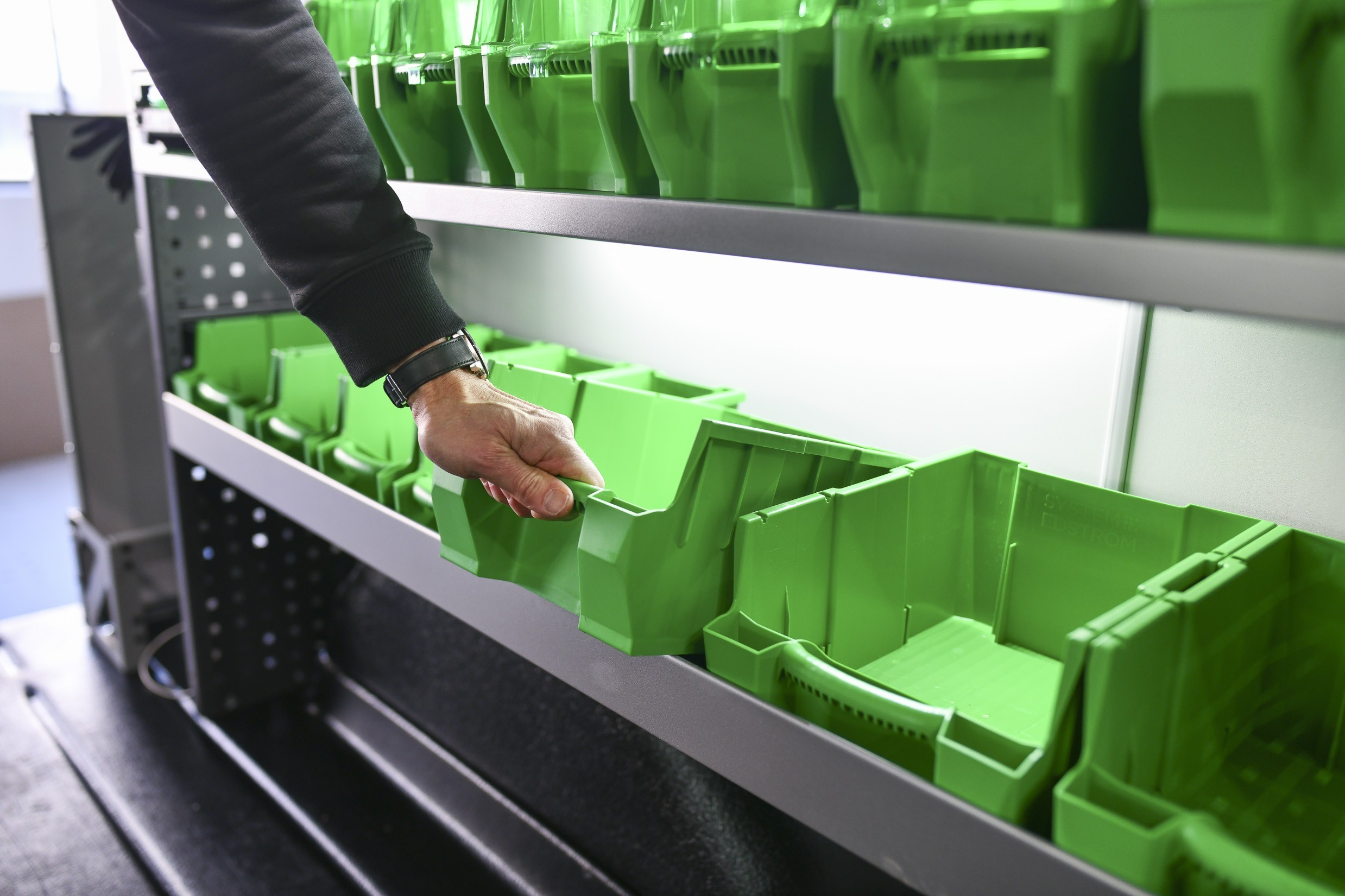 Plastbackar och bilinredning till arbetsbilar