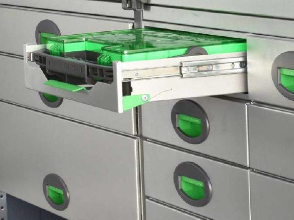 Grön verktygslåda för skåpbil - Bilinredning Toyota